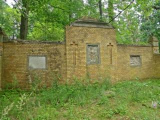 Grabstätte von Thuemen Klein Briesen