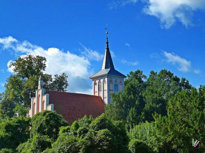 Kirche im Schlosspark von Criewen