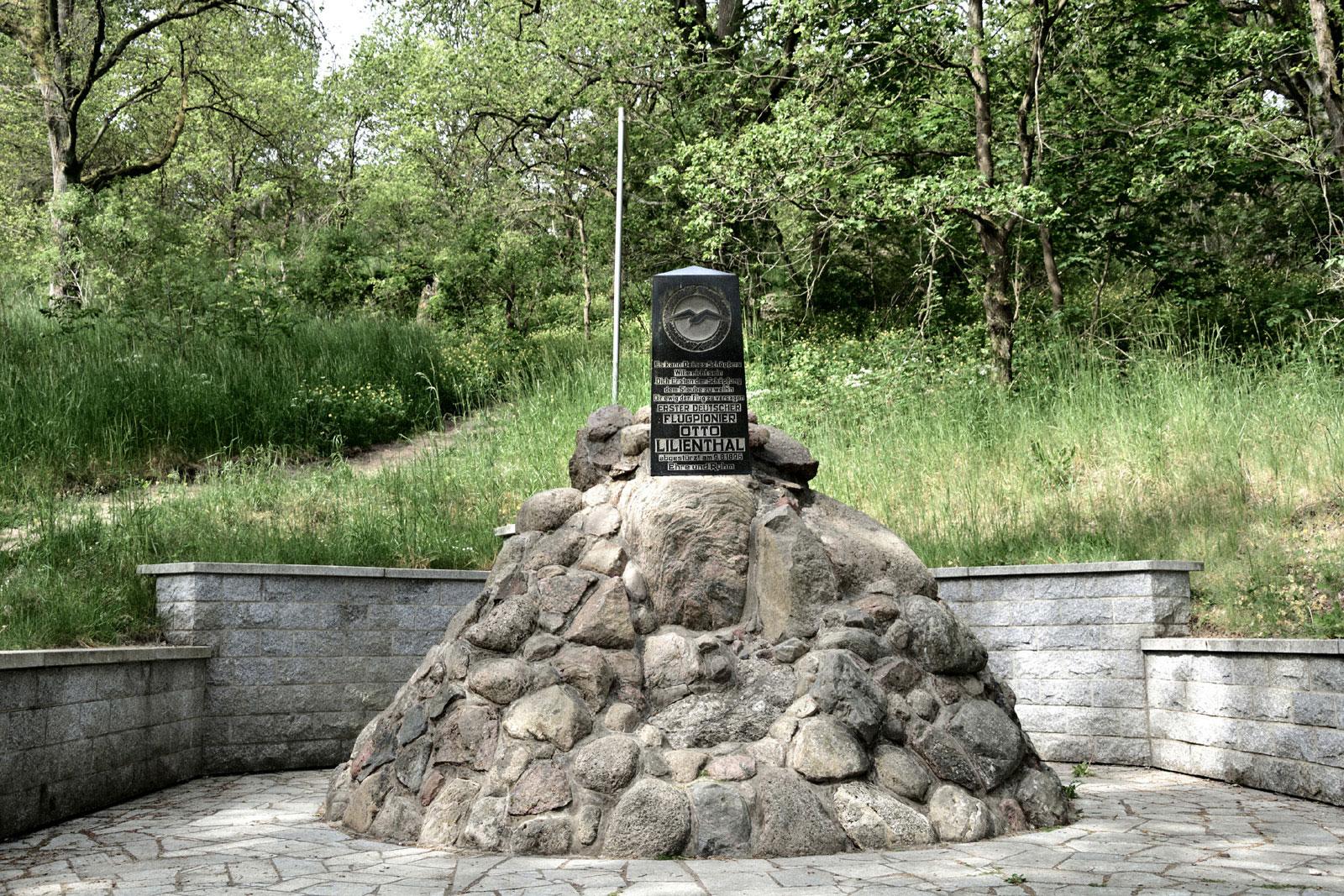 Denkmal Otto Lilienthal am Gollenberg in Stölln